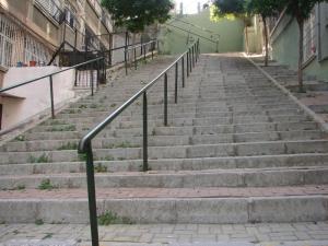 Unterwegs in Form bleiben - Treppensteigen